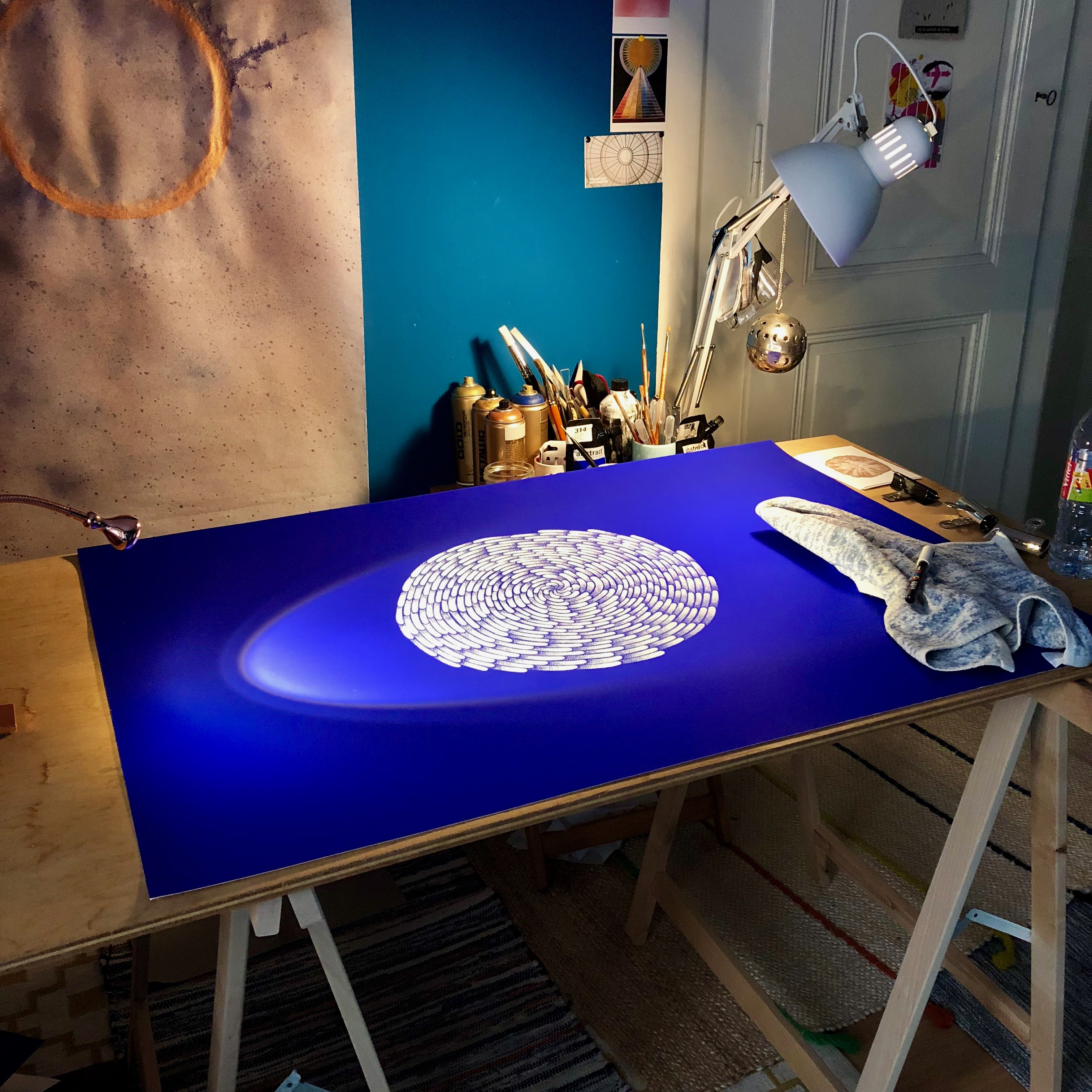 art-studio-geneva-drawing-posca-cosmic-blue-planet-paper-arjowiggings-art-studio-eaux-vives-art-geneva
