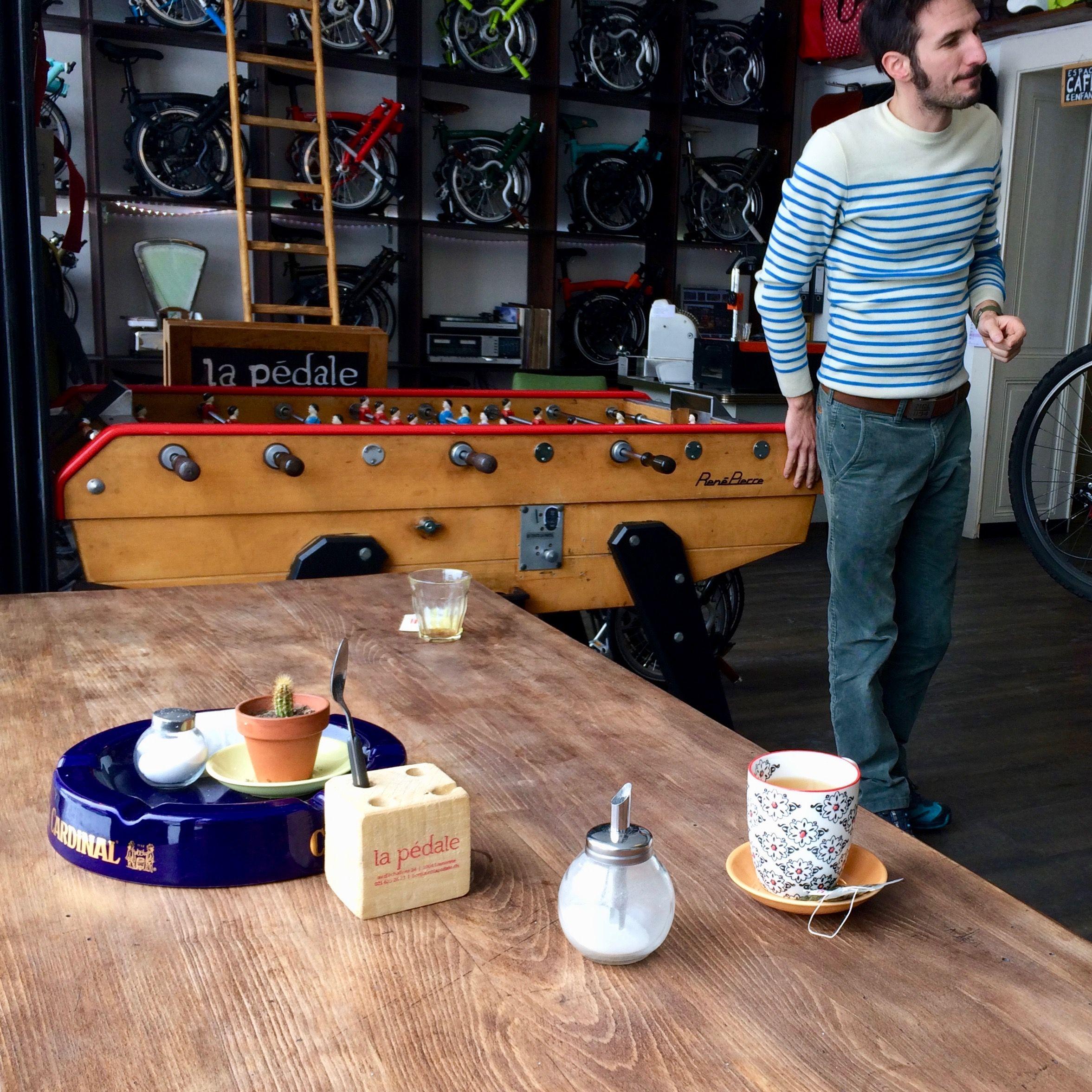La Pédale marchand Brompton et Espace Café à Lausanne