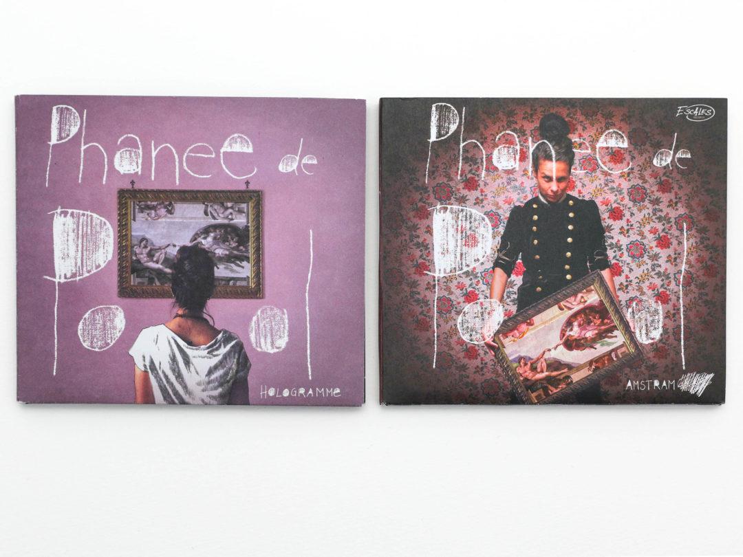 Ligne graphique d'Hologramme et Amstram de Phanee de Pool - Les deux albumes côte à côte sur lesquelles Phanee de Pool figure avec un tableau de la Création d'Adam.